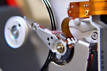 Le moteur des têtes d'un disque-dur